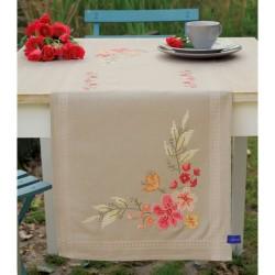 Chemin de table  Fleurs roses  0155171 Vervaco  Broderie  Point de croix imprimé