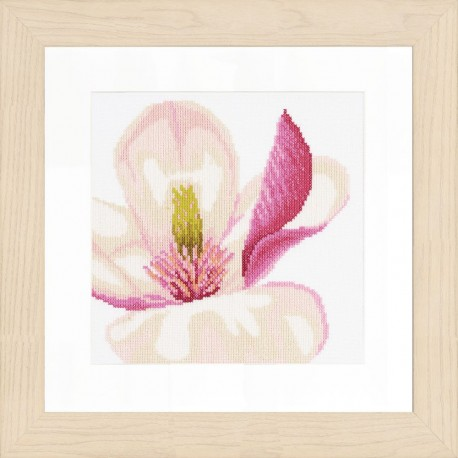 Fleur de Magnolia   0008163 Lanarte  Broderie  Point de croix compté  Étamine