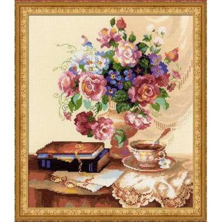 Riolis  kit Etude with Flowers | Riolis  1302 | Broderie du monde