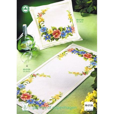 Permin  Chemin  de  table  Motif  Floral  Broderie  point  de  croix  compté