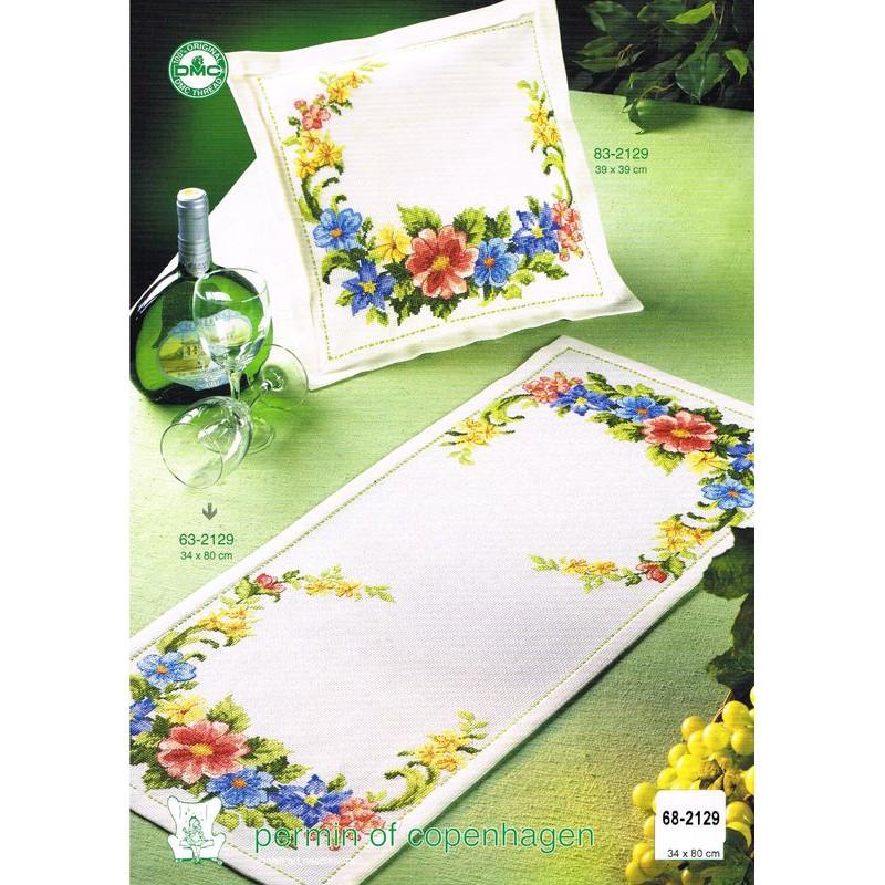 permin chemin de table motif floral 68 2129 boutique broderie du monde. Black Bedroom Furniture Sets. Home Design Ideas