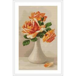 Luca-S  Roses  oranges  dans  un  vase  B 505  kit  broderie  point  de  croix  compté