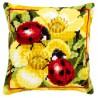 Vervaco  Coussin  Coccinelles  sur  fleurs  jaunes  0145509
