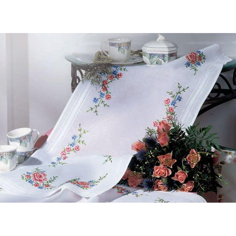 vervaco chemin de table broder roses 0013219. Black Bedroom Furniture Sets. Home Design Ideas