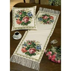 Permin  Chemin  de  table  Roses  63-0141