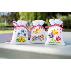 3  Sachets  senteur  fleurs  et  papillons  0154964  Vervaco  5413480438198